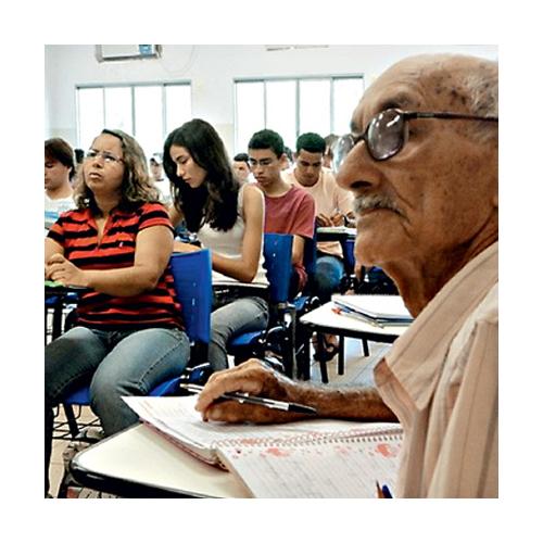 Educação de Jovens e Adultos: Abordagens e Método